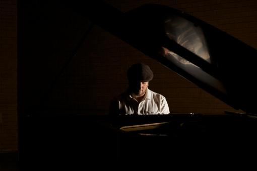 Piano, yeah!